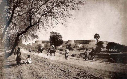 GT Road old photo Peshwar Pakistan